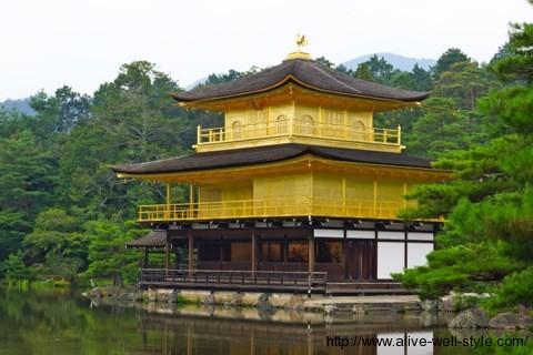 金閣寺全景